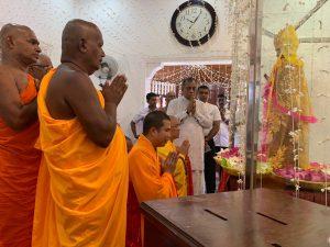 Quốc hội Sri Lanka đón nhận tượng Bồ Tát Quan Âm từ Việt Nam an vị tại ngôi chùa cổ thủ đô Colombo